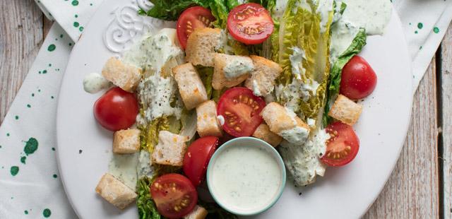 Sałatka z grillowanej sałaty rzymskiej (4 porcje)